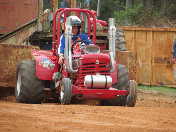 Paquette's Historical Tractor Museum & Tractor Pull