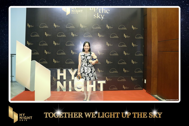 Buzz-Comm-Year-End-Party-instant-print-photo-booth-at-New-World-Saigon-Chup-hinh-lay-lien-Tat-nien-WefieBox-Photobooth-Vietnam-054.jpg