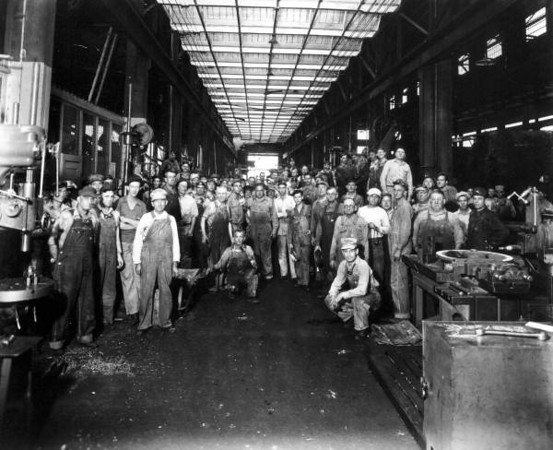 sp01309-Machinists for the Seaboard Air Line Railway Company-1945-Spottswood Collection.jpg