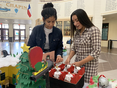 Chapin engineering students create mechanical winter scenes