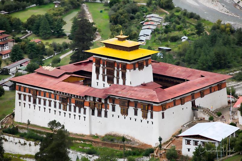 paro_zuri-dzong_rinpung-dzong_20120916_5424.jpg