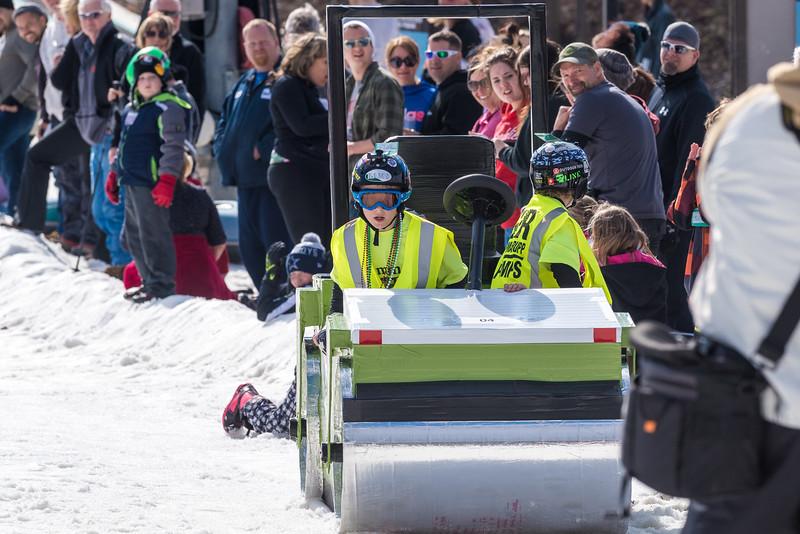 55th-Carnival-2016_Snow-Trails-1686.jpg