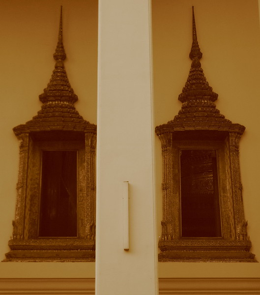 Windows to the main chapel at Wat Pho.