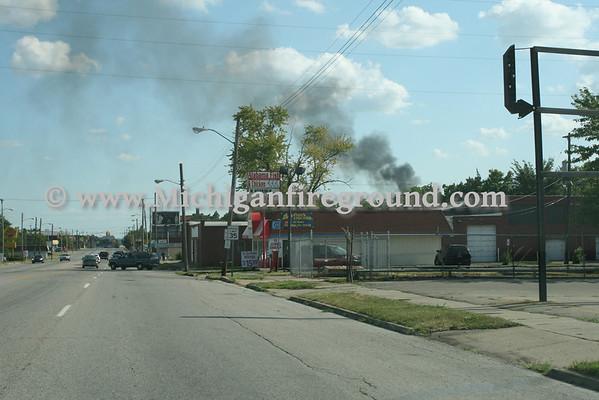 7/30/11 - Flint double house fire, 400 block of Gillespie