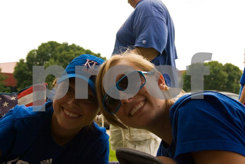 09.05.2009_Tailgate_with_Lauren_031.jpg