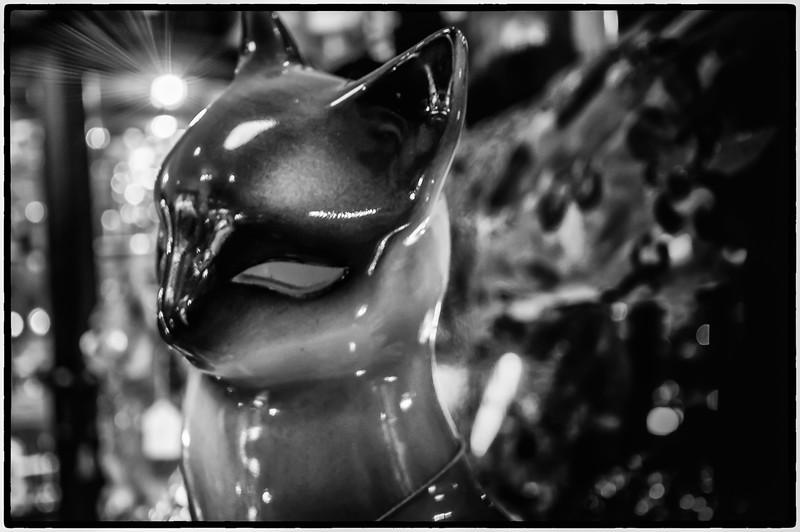 kitty lamp.jpg