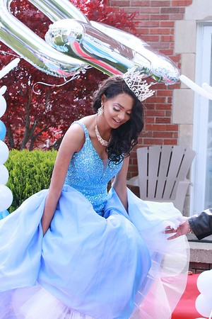 Shyla Prom send off May 19, 2017