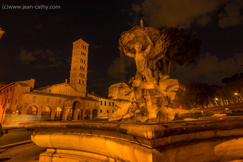 Some unmarked & unloved fountain in Rome ... they have so many!