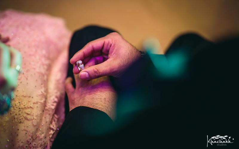 best-candid-wedding-photography-delhi-india-khachakk-studios_47.jpg