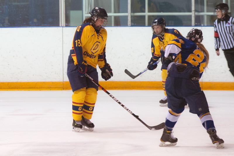 20130310 QWHockeyvsUBC 431.jpg