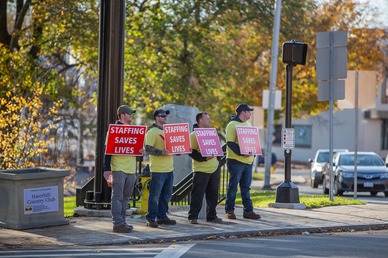 11-4-2019 Staffing Picket (11).jpg