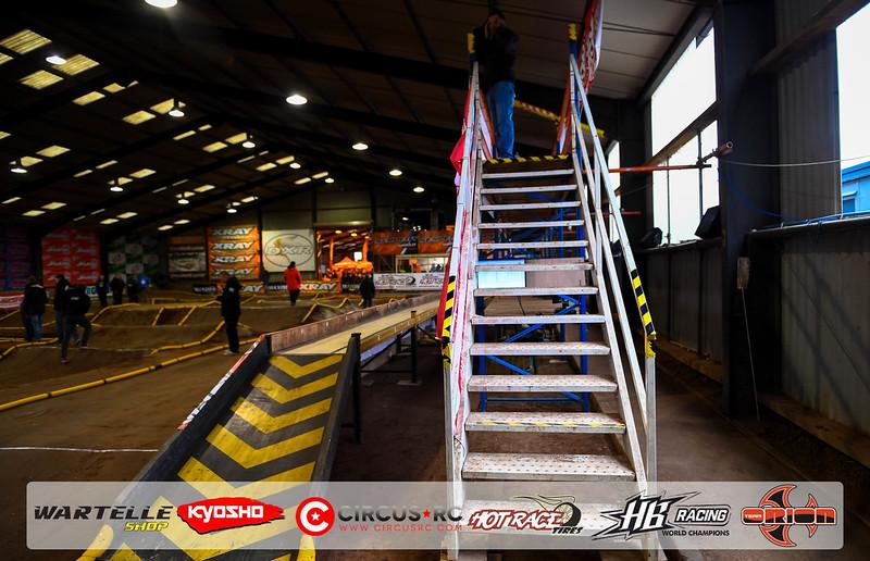 neo race track pits25.jpg