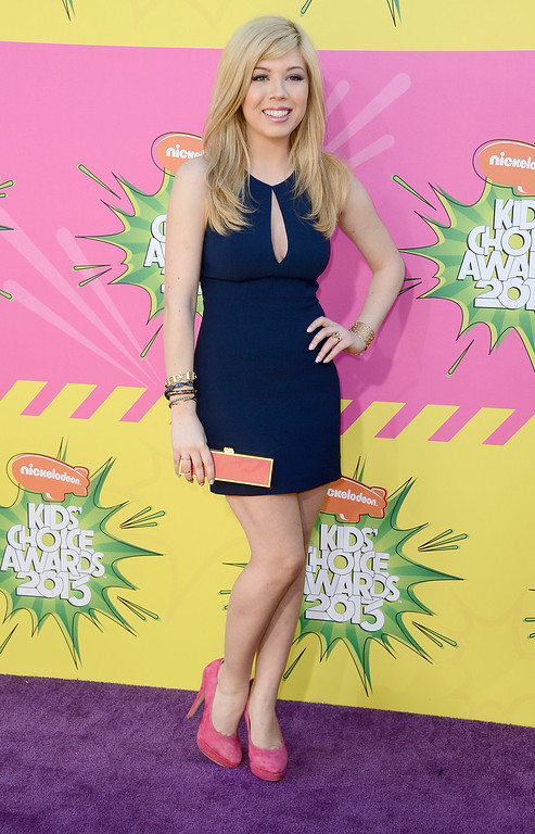 . LOS ANGELES, CA - MARCH 23:  Actress Jennette McCurdy arrives at Nickelodeon\'s 26th Annual Kids\' Choice Awards at USC Galen Center on March 23, 2013 in Los Angeles, California.  (Photo by Frazer Harrison/Getty Images)