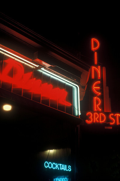 3rd St. Diner1 (vertical).jpg