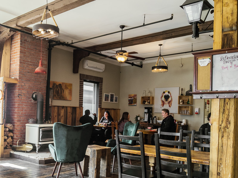 Jimolly Cafe-2.jpg