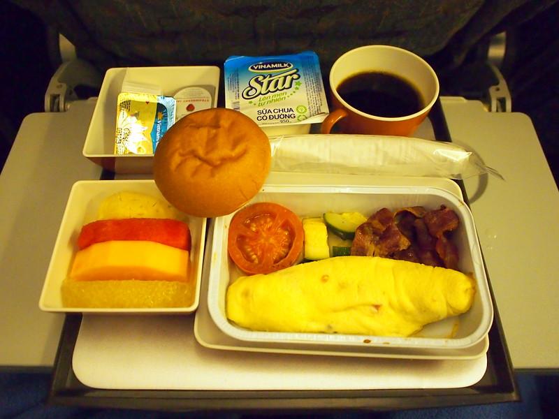 P6242507-vn-51-breakfast.JPG