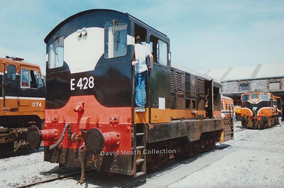 CIE Class 421 (1962 at CIE  Inchicore Works Maybach MD220 420hp)