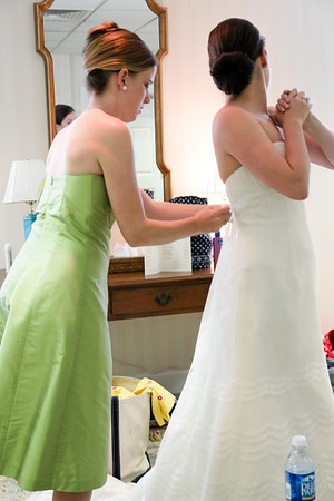 Bride and Bridesmaids_Getting Ready_Leslie-Dawson