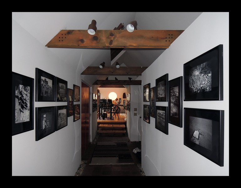 12. Entry Gallery looking into Studio.JPG