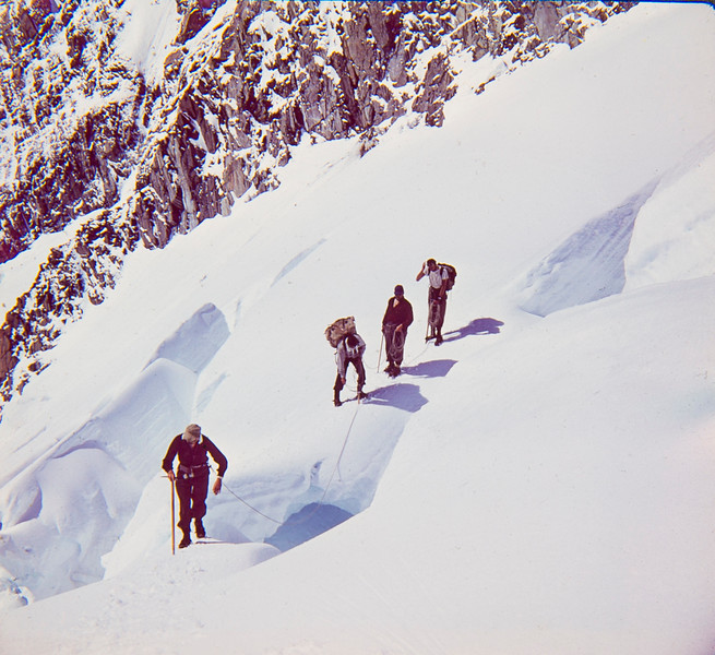 1962 Climbing up Hopkins River with John Clay, Paul Wheeler, Don Peacock and JER Mathews crossing Burgeshrund _JM_4741.jpg