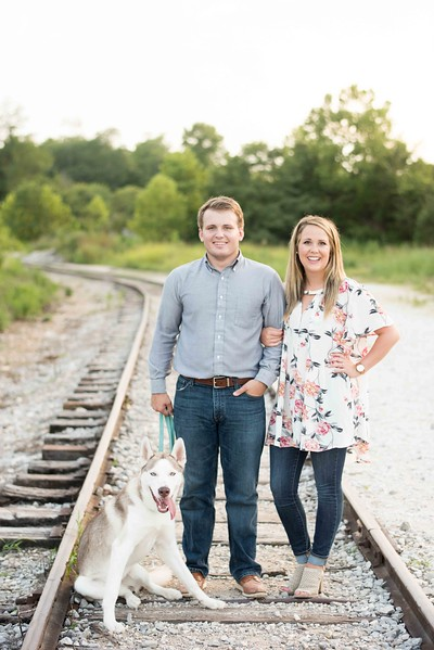 Knoxville-Engagement-Photographers-15.jpg