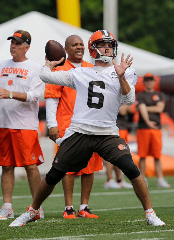 . Cleveland Browns quarterback Cody Kessler (6) throws during practice at the NFL football team\'s training camp facility, Thursday, July 27, 2017, in Berea, Ohio. (AP Photo/Tony Dejak)