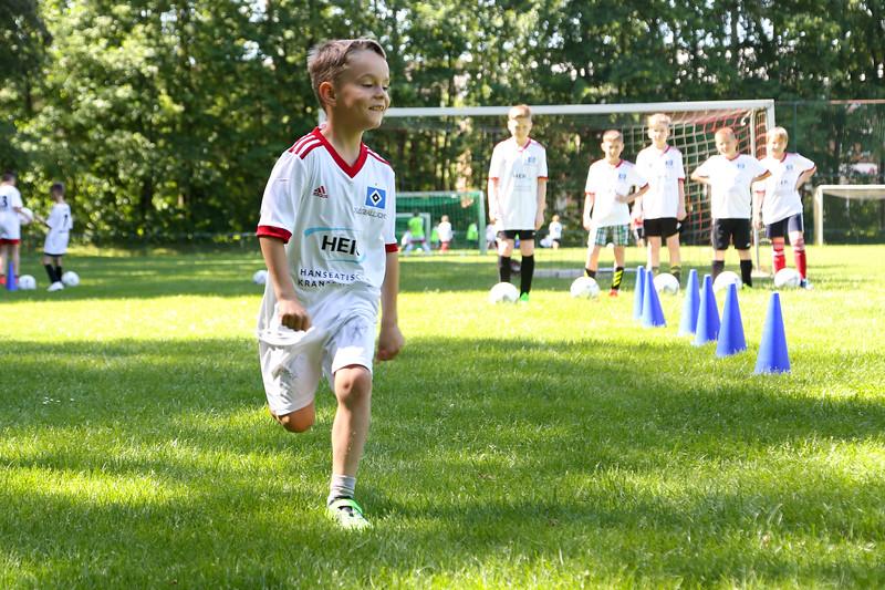 hsv_fussballschule-279_48047952906_o.jpg
