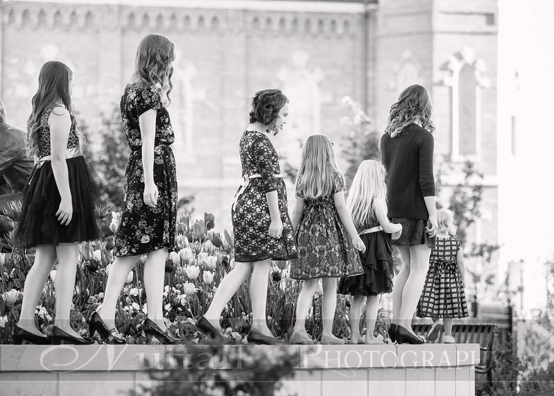 Hirschi Girls 068bw.jpg