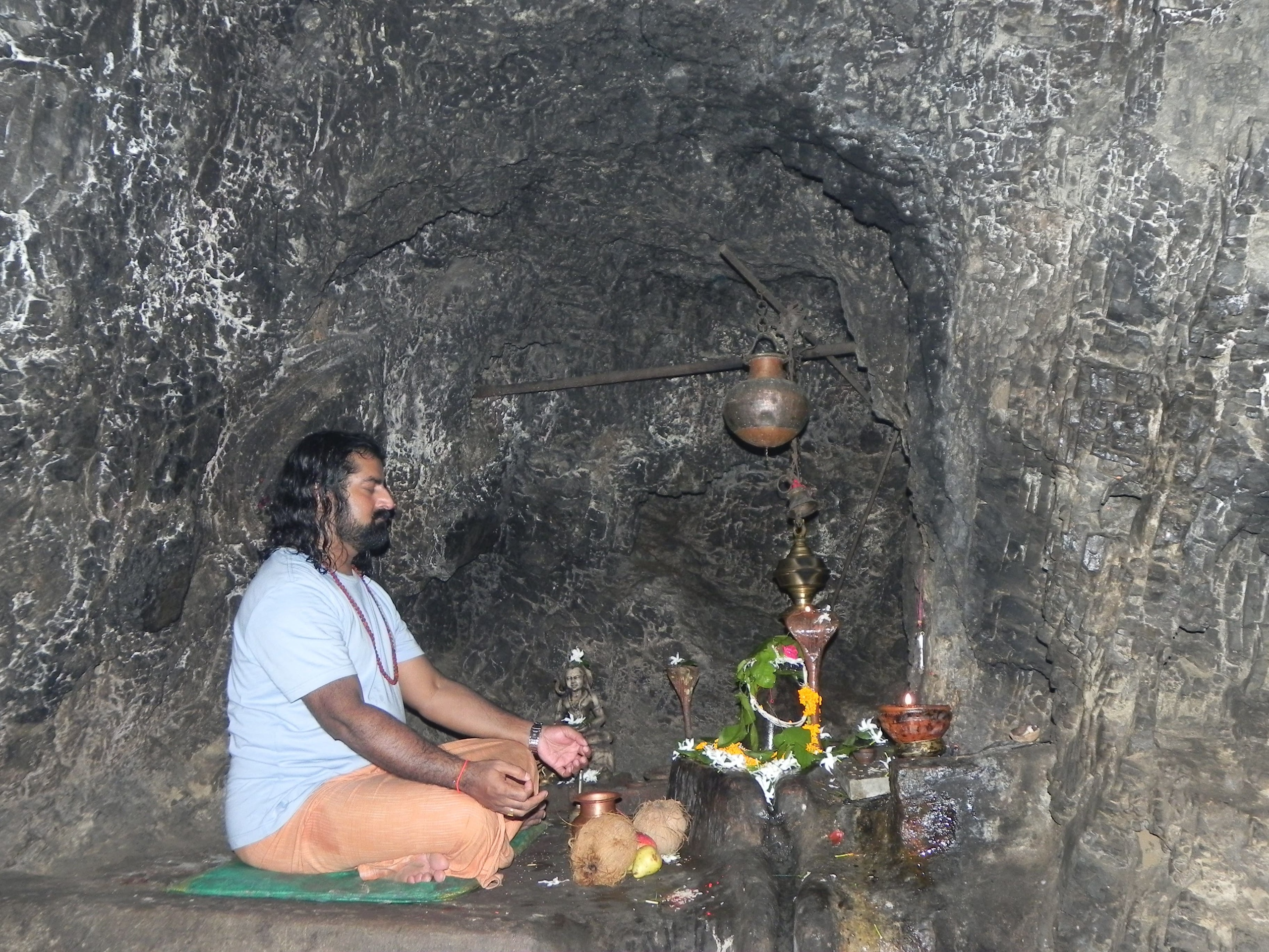 Mohanji doing intense sadhana at Vasishta Gufa