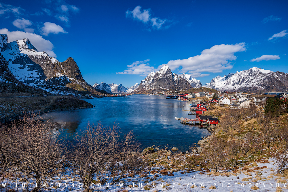 Most Beautiful Place in the World? A Guide to Norway's Lofoten Islands by Wilhelm Chang