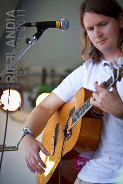 Jon Middleton  © Diving Bell Photography 2011 - Annastasia Fairbanks