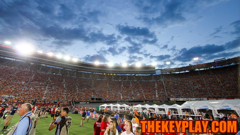 Fans file into the stadium before kickoff as the sun sets over Bristol. (Mark Umansky/TheKeyPlay.com)