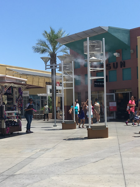Misters at Las Vegas North Premium Outlets (Ground doesn't get wet)