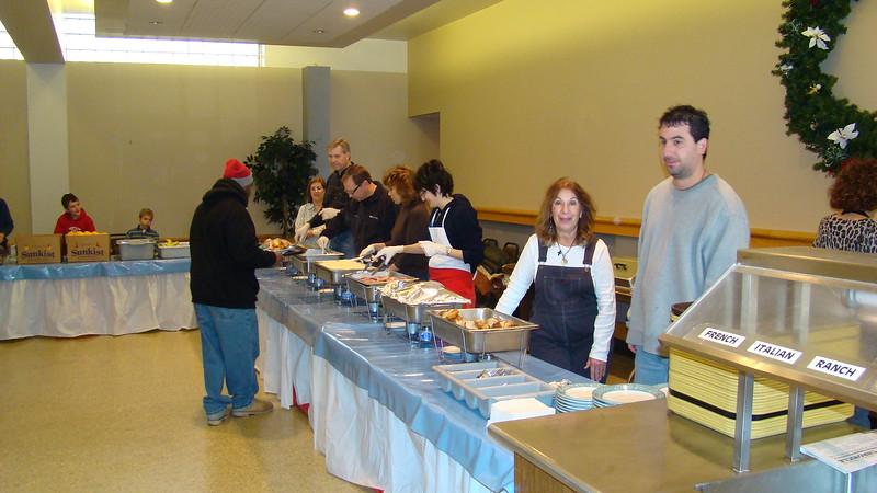 2007-12-01-Homeless-Lunch_002.jpg