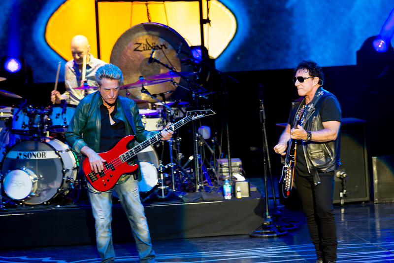 Ross Valory (L) Neal Schon (R)