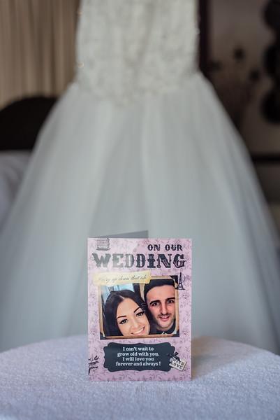 01 Bridal Prep-27.jpg