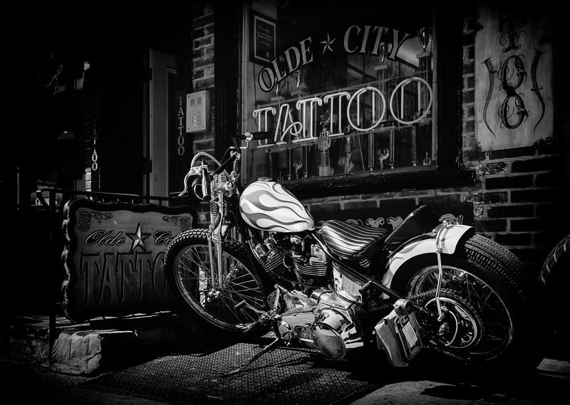 Olde City Tattoo bw-.jpg