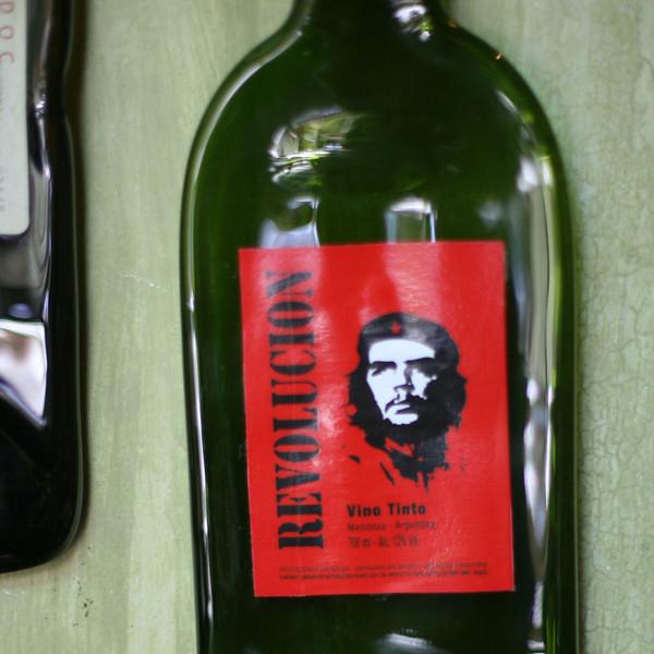 Vive la revolucion, Azafran restaurant, Mendoza, Argentina.