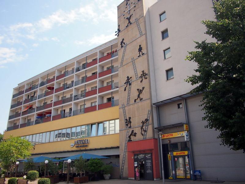 P7053400-stickmen-climbing-building.JPG