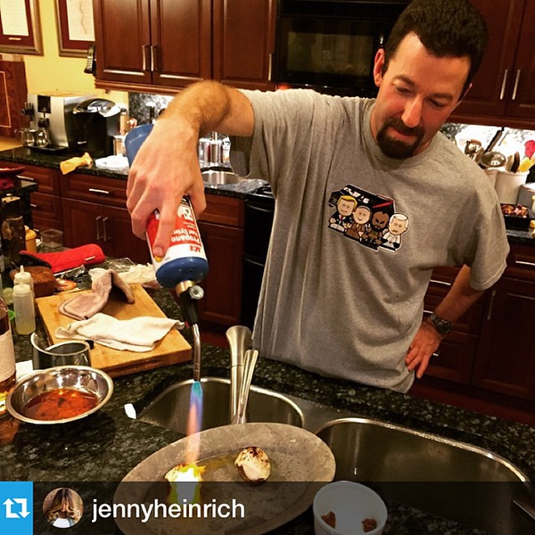 #Repost @jennyheinrich : @pennybart and I said to microwave the meatballs to melt the cheese for the minis. @akeats says -- no way. #blowtorch