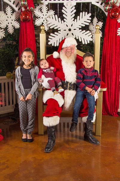 Santa 12-16-17-283.jpg