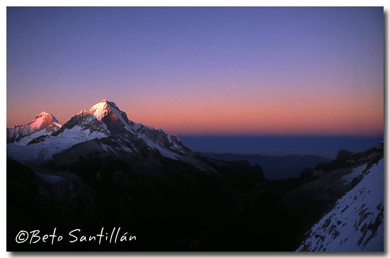 HUANDOY sunrise 2005 12.jpg