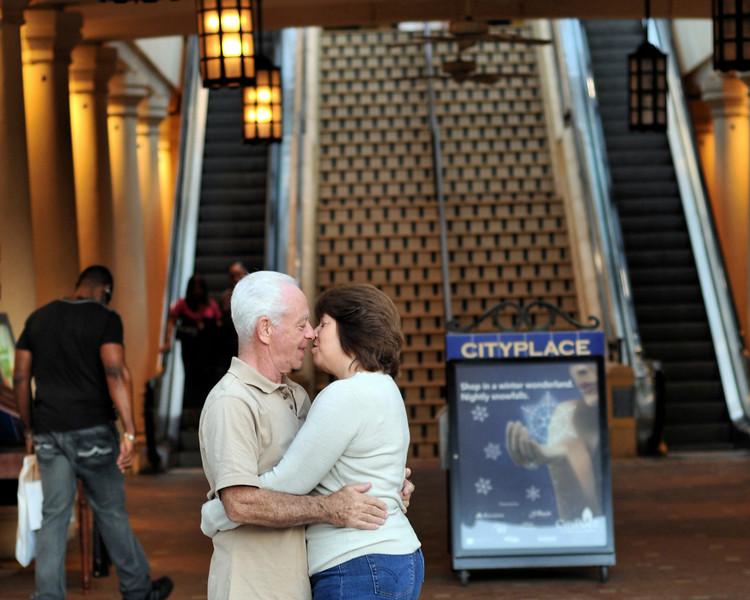 Couple Kiss.jpg