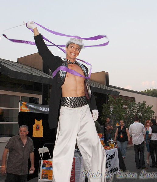 AIDS Project Los Angeles (APLA) will present its 22nd Summer Party, one of the most anticipated events of the season, on Saturday, August 4 at ÒThe LotÓ in West Hollywood. Entertainers Thelma Houston and Tiffany will headline on the 104.3 KBIG outdoor concert stage, while Showtime Networks will create the Queer As Folk dance party with special cast appearances on a soundstage.