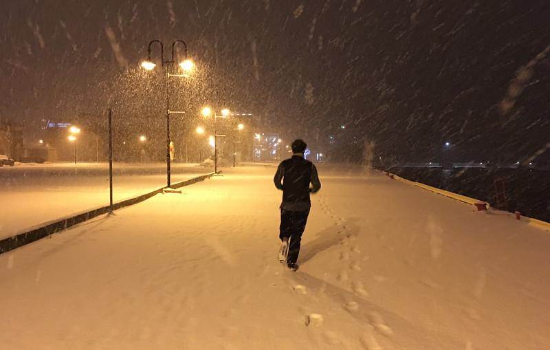 Super fresh snow on the boardwalk