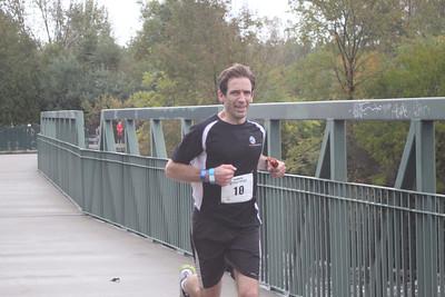6-BRStatePark-runners-Evan