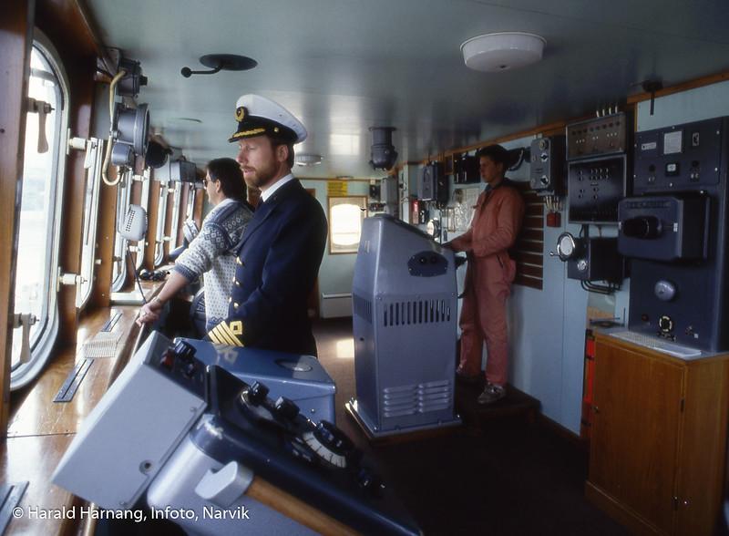 På brua. Hurtigruteskipet Nordnorge, ODS. Bilder tatt mens jeg jobbet ombord for å skrive historieboka til ODS.
