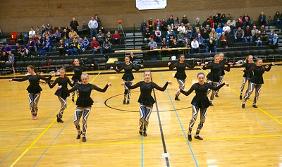 Sisters Dance Perform @ Outlaw Basketball 1-27-2017