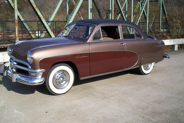 HAWAIIAN BRONZE 1950 FORD CRESTLINER