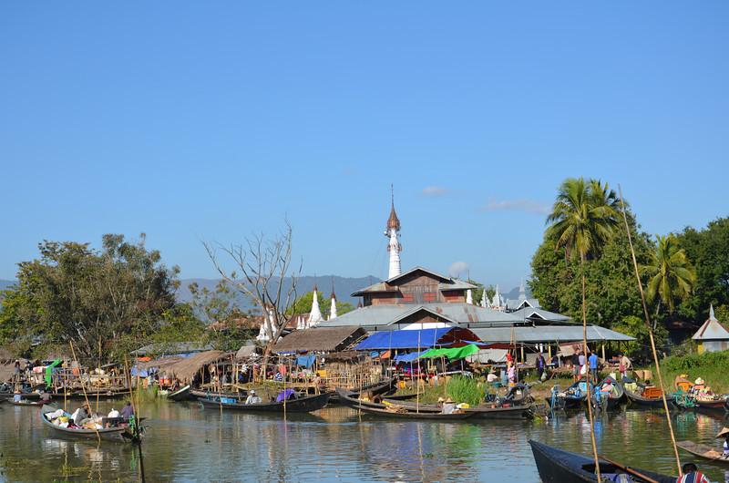 DSC_4331-ywama-floating-market.JPG